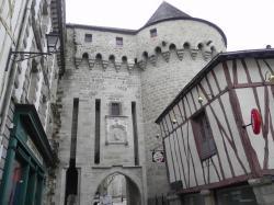 Porte prison et tour Vannes 2