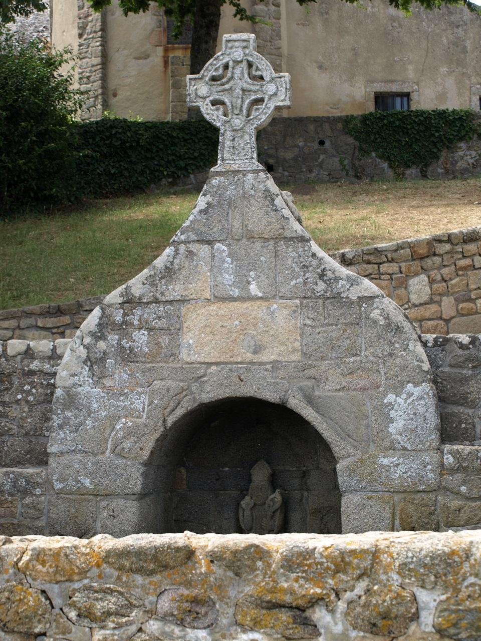 La fontaine de Saint-Cado