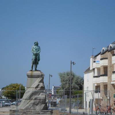 Statue du Général Hoche